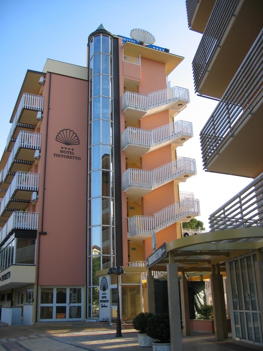 Castelli per ascensore e montacarichi for Montacarichi da balcone per legna